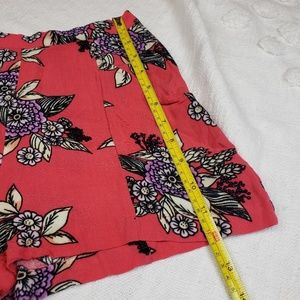 MINKPINK Shorts - MINKPINK Urban  Outfitters Floral Shorts xs